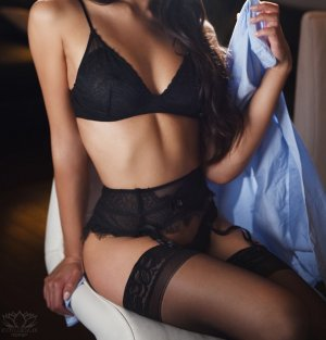 Aziza hot escorts in Alafaya, FL
